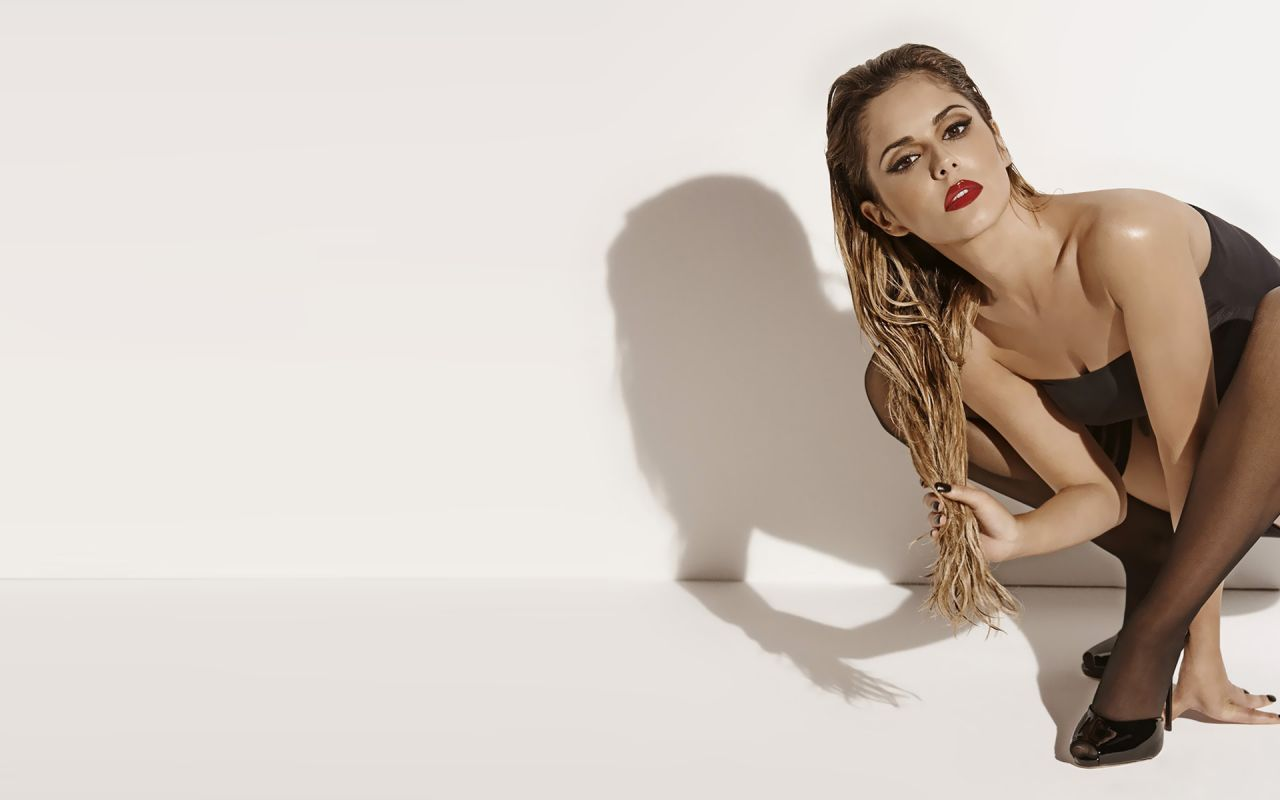 Cheryl Cole Hot Wallpapers (+4)