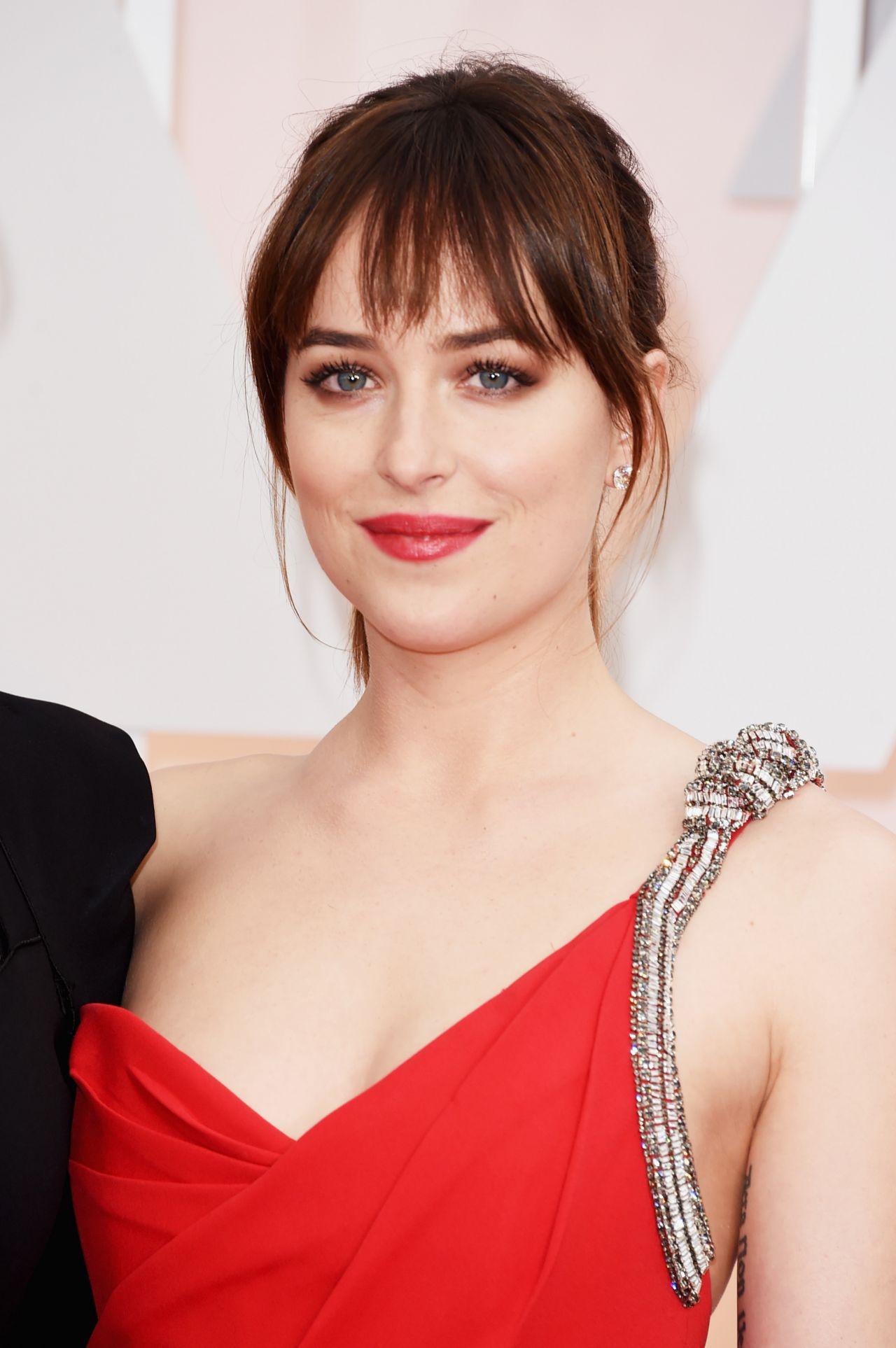 Dakota Johnson 2015 Oscars Red Carpet In Hollywood
