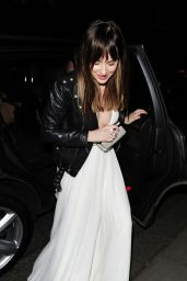 Dakota Johnson - Leaving