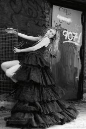 Dakota Johnson - Modern Weekly Magazine (China) February 2015 Issue