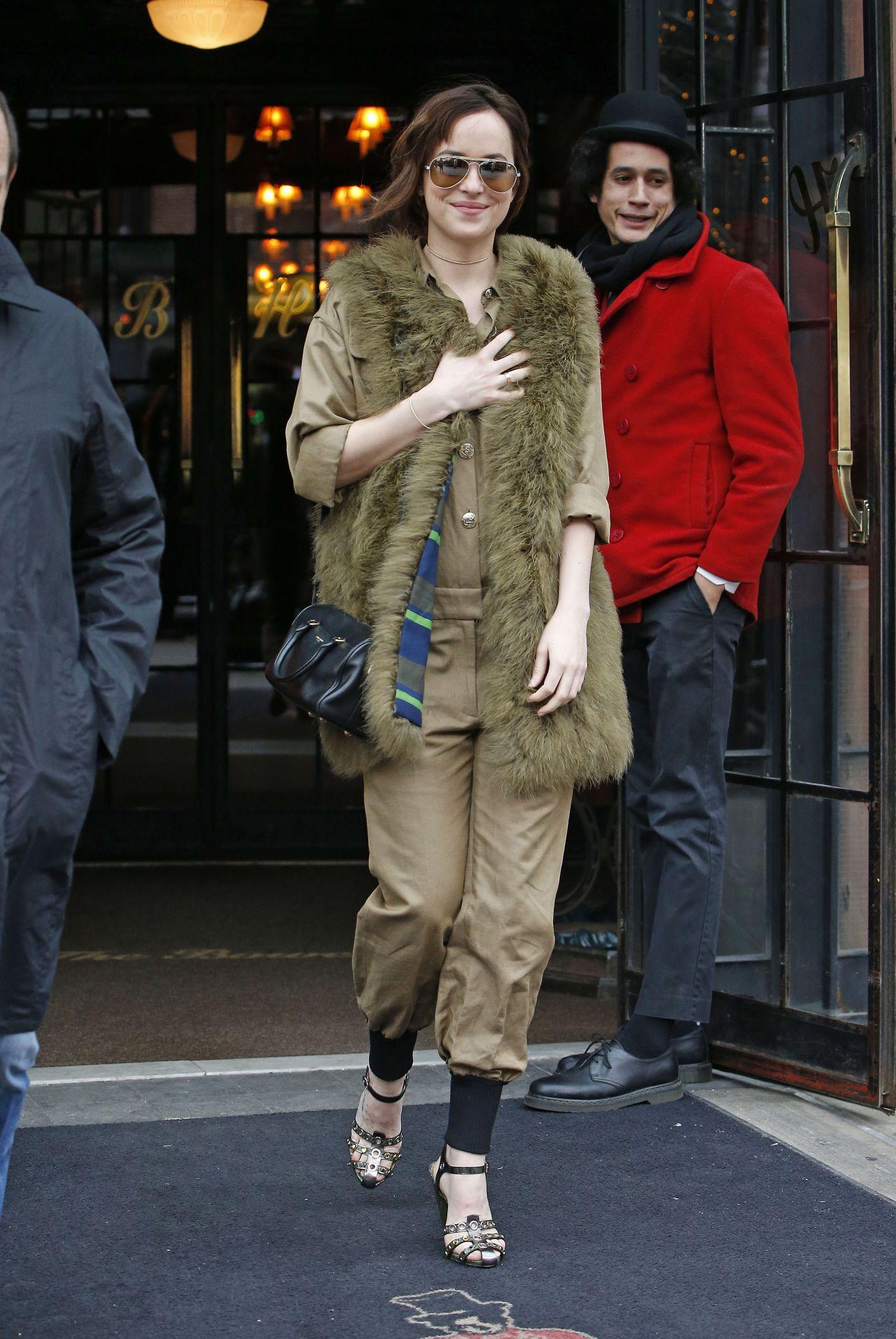 Dakota johnson leaving the bowery hotel in nyc nude (98 photos), Boobs Celebrites foto