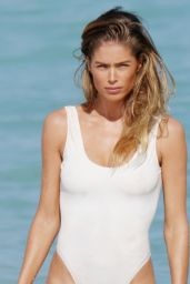 Doutzen Kroes Shows Off Bikini Body in Miami, February 2015