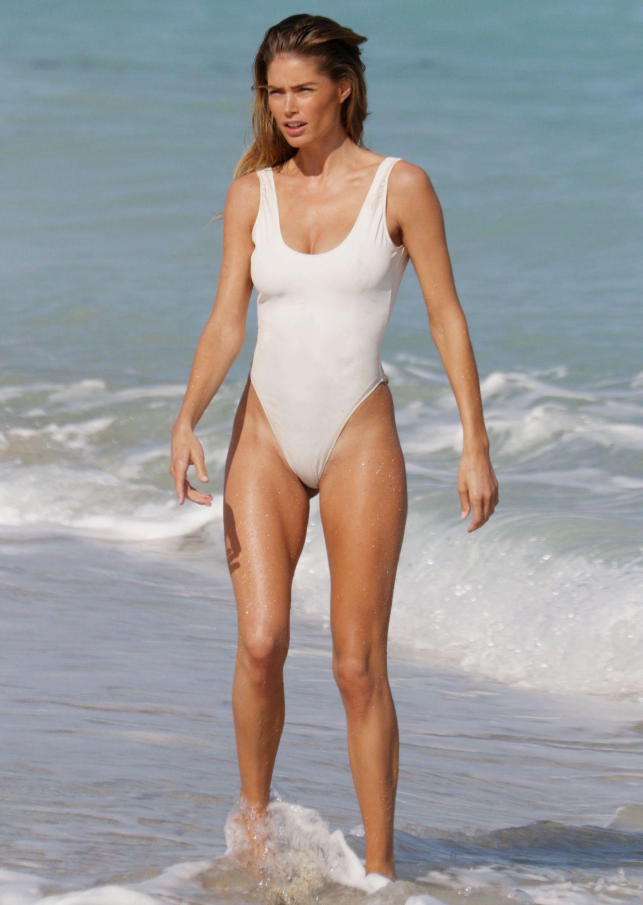 Doutzen Kroes Bikini Bodies Pic 1 of 35