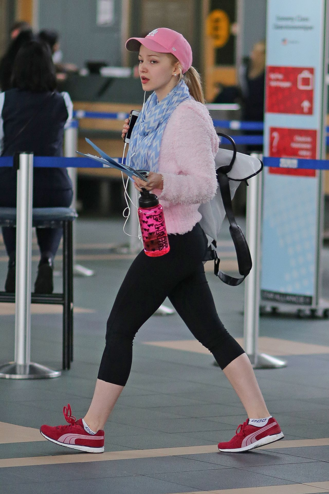 Cameron Booty in Leggings - Vancouver Airport, February 2015