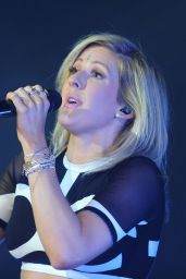 Ellie Goulding Performs Live in Warsaw, February 2015
