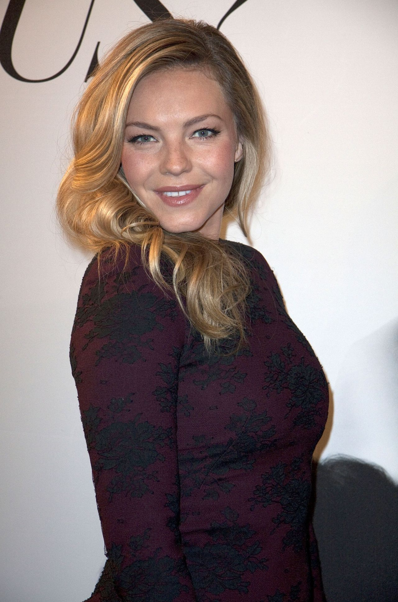 eloise mumford height