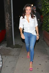 Eva Longoria in Ripped Jeans - Out for Dinner at Giorgio Baldi in Los Angeles, Feb. 2015