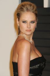 Genevieve Morton - 2015 Vanity Fair Oscar Party in Hollywood