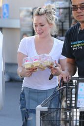 Hilary Duff - Shopping at Ralph