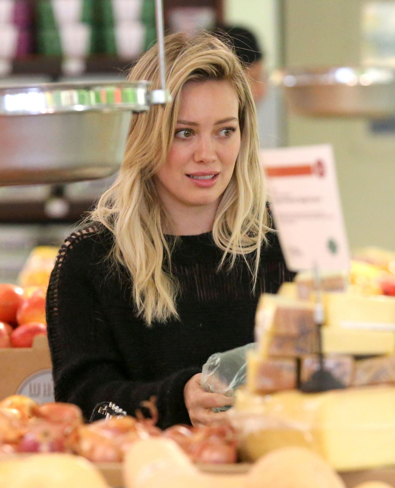 Hilary Duff  Street Style - Grocery Shopping in Los Angeles, Feb. 2015