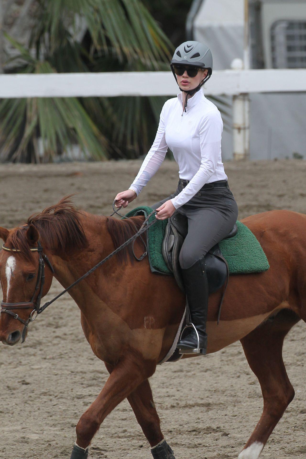 Iggy Azalea - Horseback Riding Lesson in Los Angeles, Feb. 2015