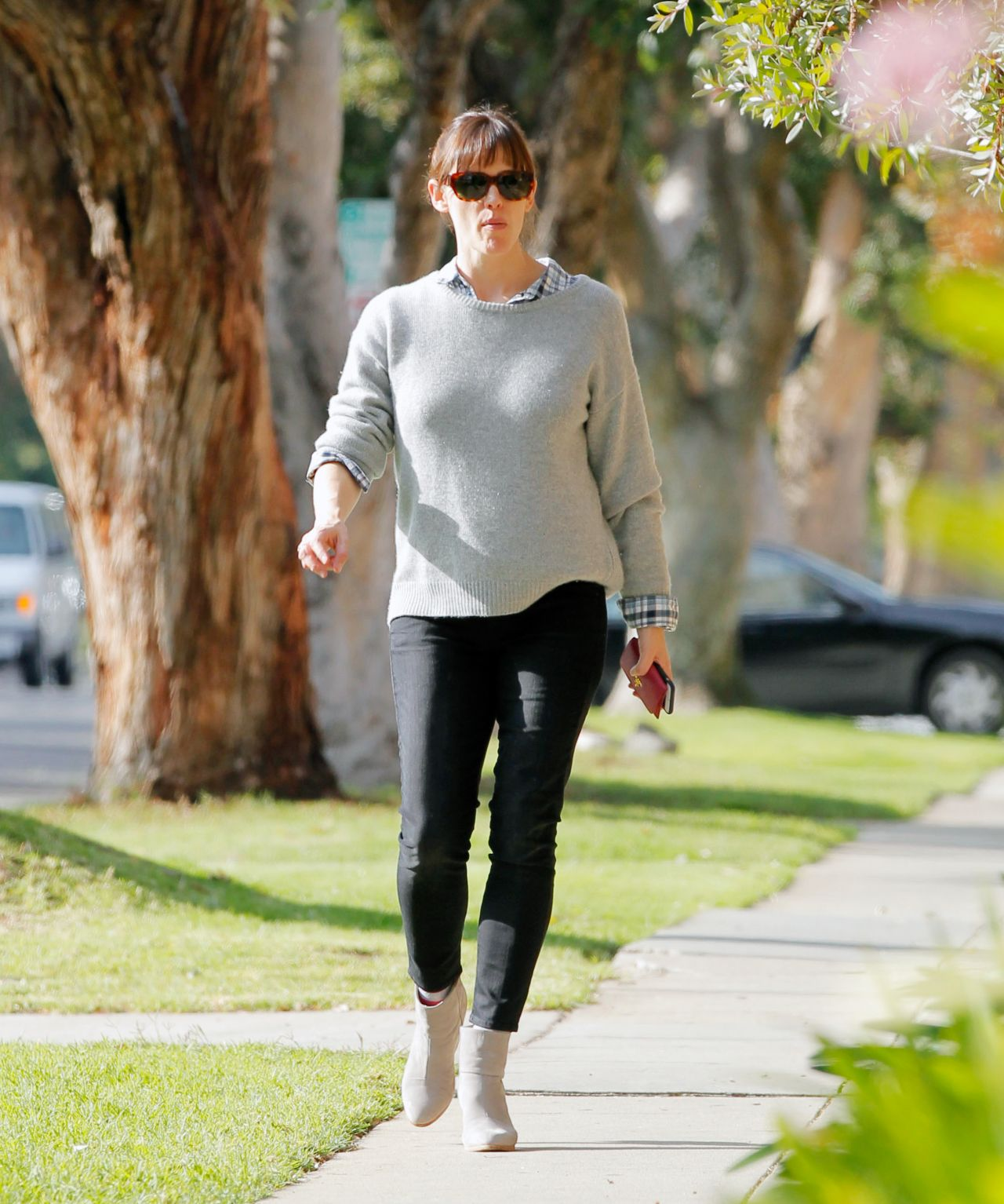 Jennifer Garner Street Style - Out in LA, Feb. 2015