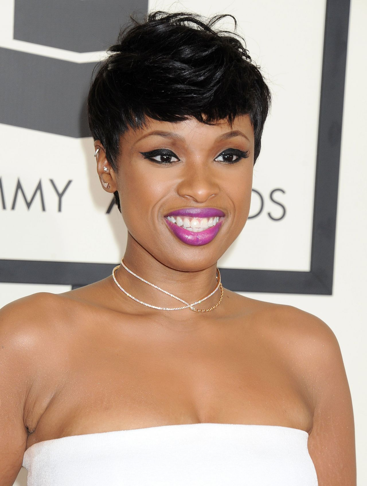 jennifer hudson The latest tweets from jennifer hudson (@iamjhud) jennifer hudson is an academy award-winning actress and a grammy award-winning recording artist follow jennifer on instagram - chicago.