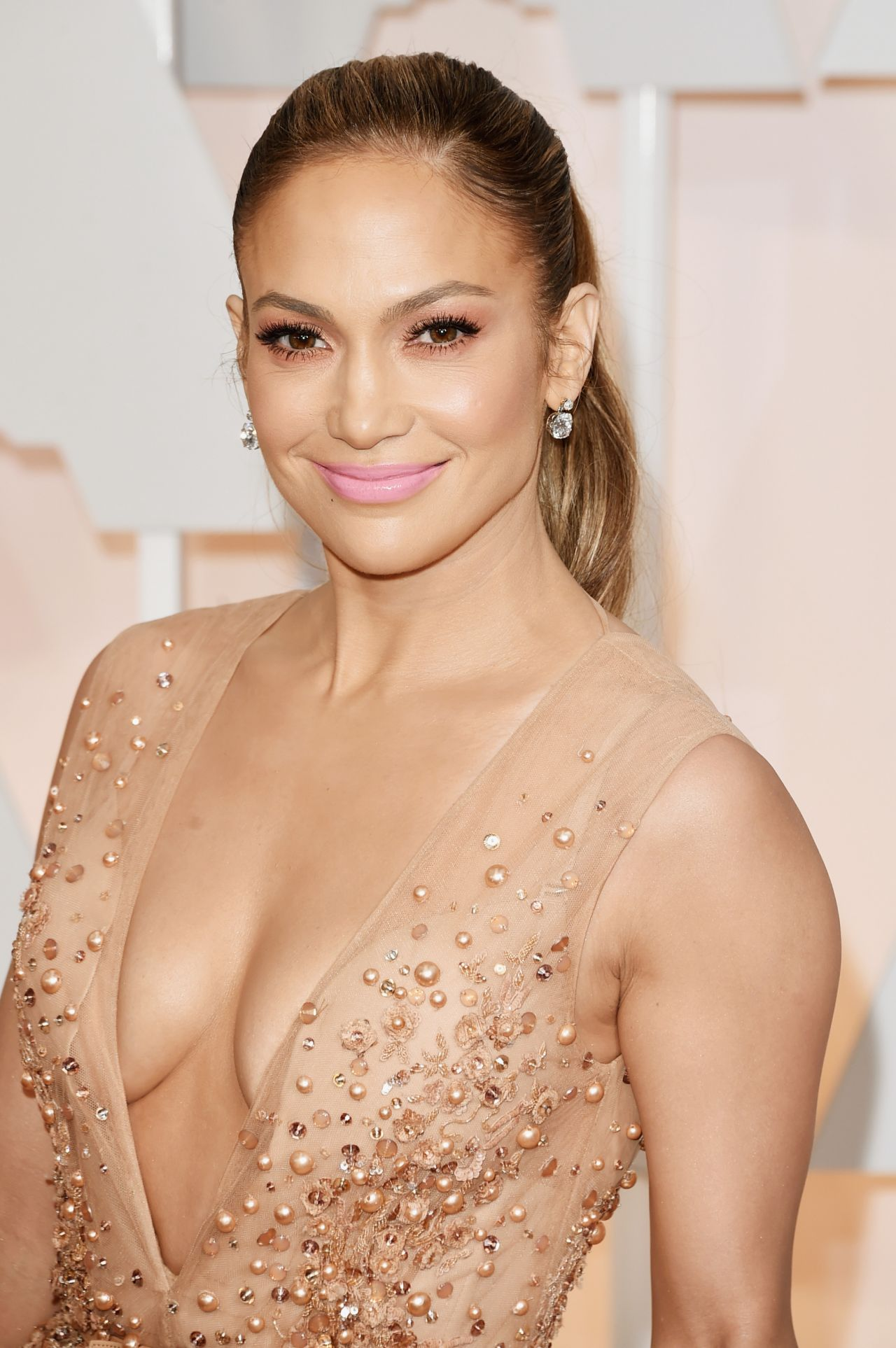 Jennifer Lopez – 2015 Oscars Red Carpet in Hollywood Jennifer Lopez