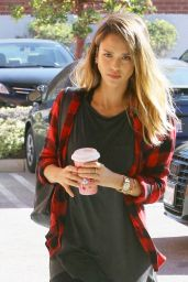 Jessica Alba Street Style - Out in Santa Monica, February 2015