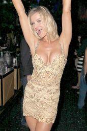 Joanna Krupa - Celebrates Mynt