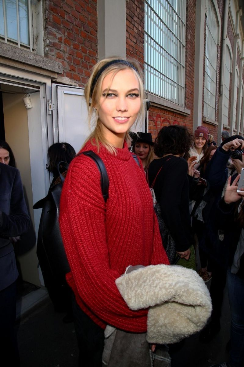 Karlie Kloss - Leaving the Fendi Fashion Show in Milan, February 2015