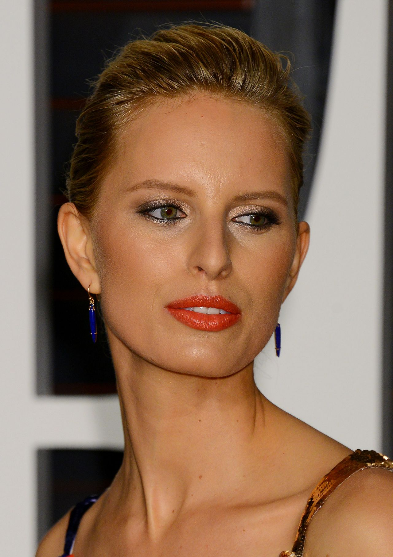 Karolina Kurkova – 2015 Vanity Fair Oscar Party in Hollywood