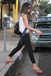 Kate Beckinsale Style - Visiting a Nail Salon in Santa Monica, January 2015