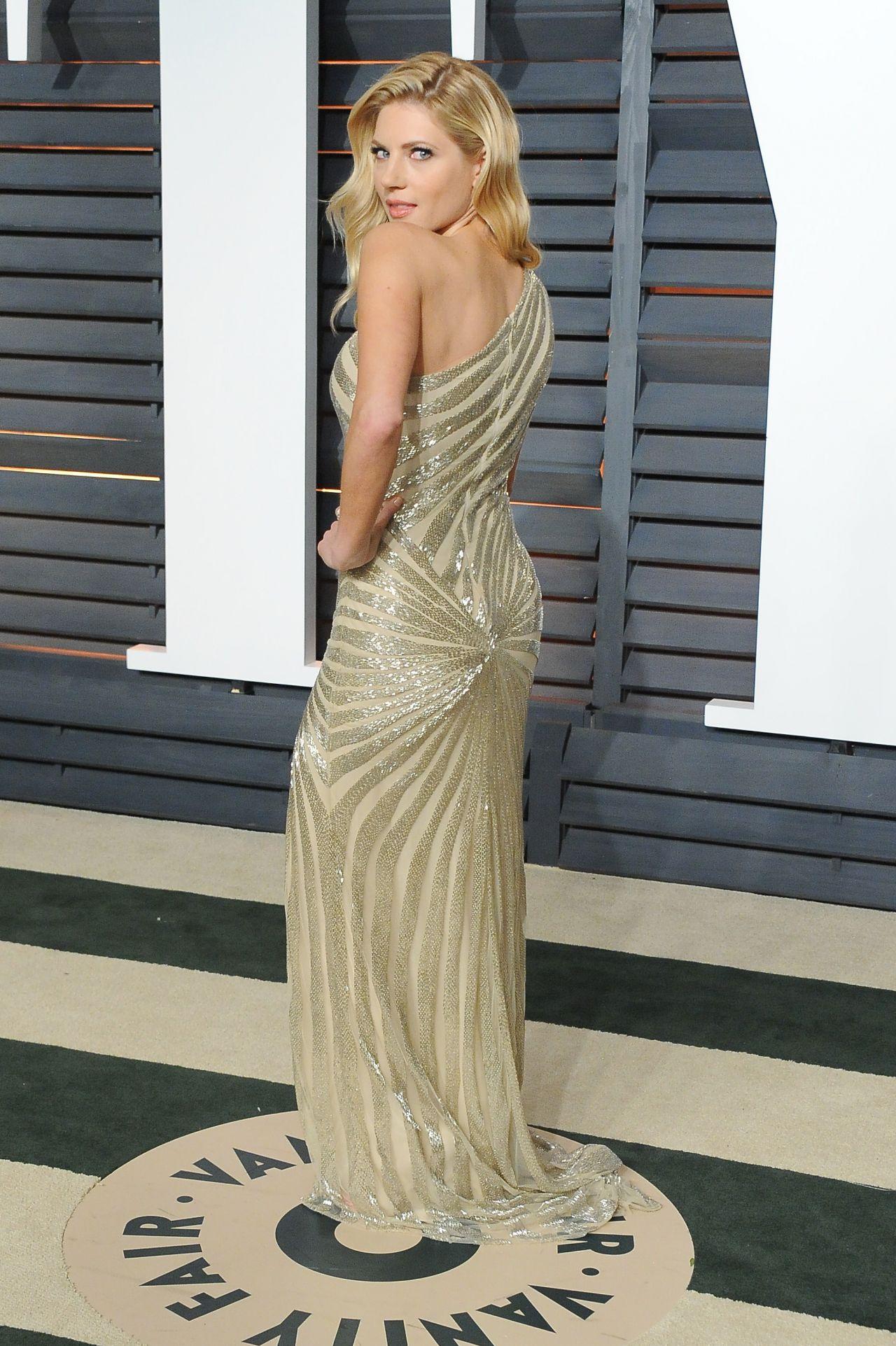Katheryn Winnick 2015 Vanity Fair Oscar Party In Hollywood