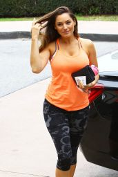 Kelly Brook Gym Style - Heading to the Gym in Los Angeles, February 2015