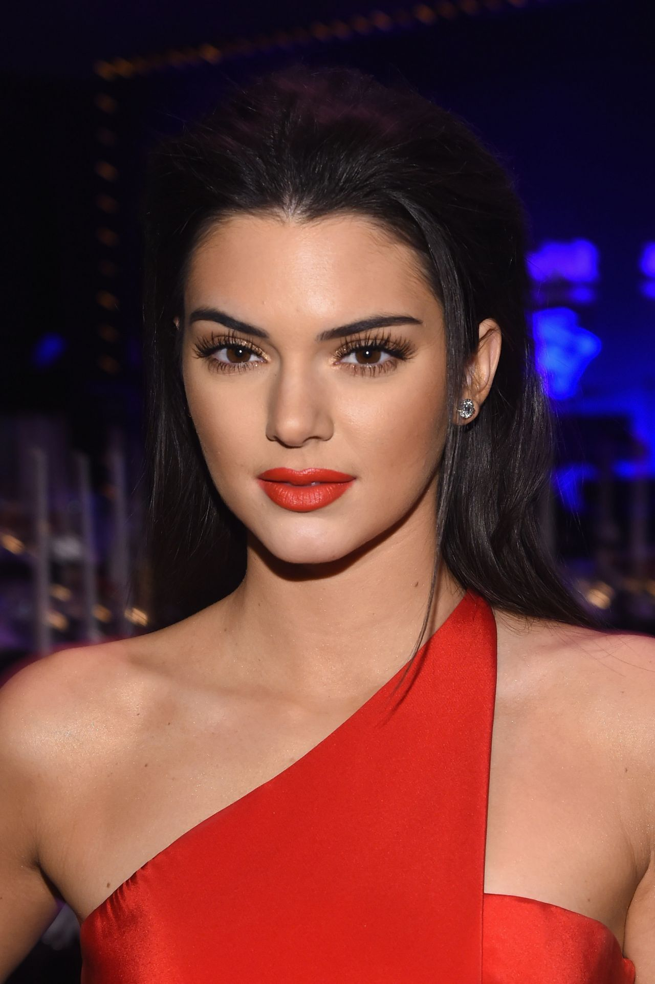 Kendall Jenner Caviar Kaspia Dinner After Pharmacy Stop: 2015 AmfAR New York Gala