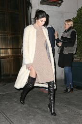 Kendall Jenner - Arrives at Her Hotel in New York, February 2015