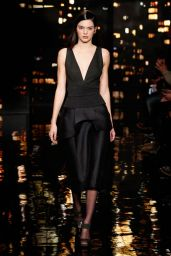 Kendall Jenner - Donna Karan Fall 2015 Fashion Show