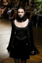 Kendall Jenner - Giles Show Autumn Winter 2015 - London Fashion Week