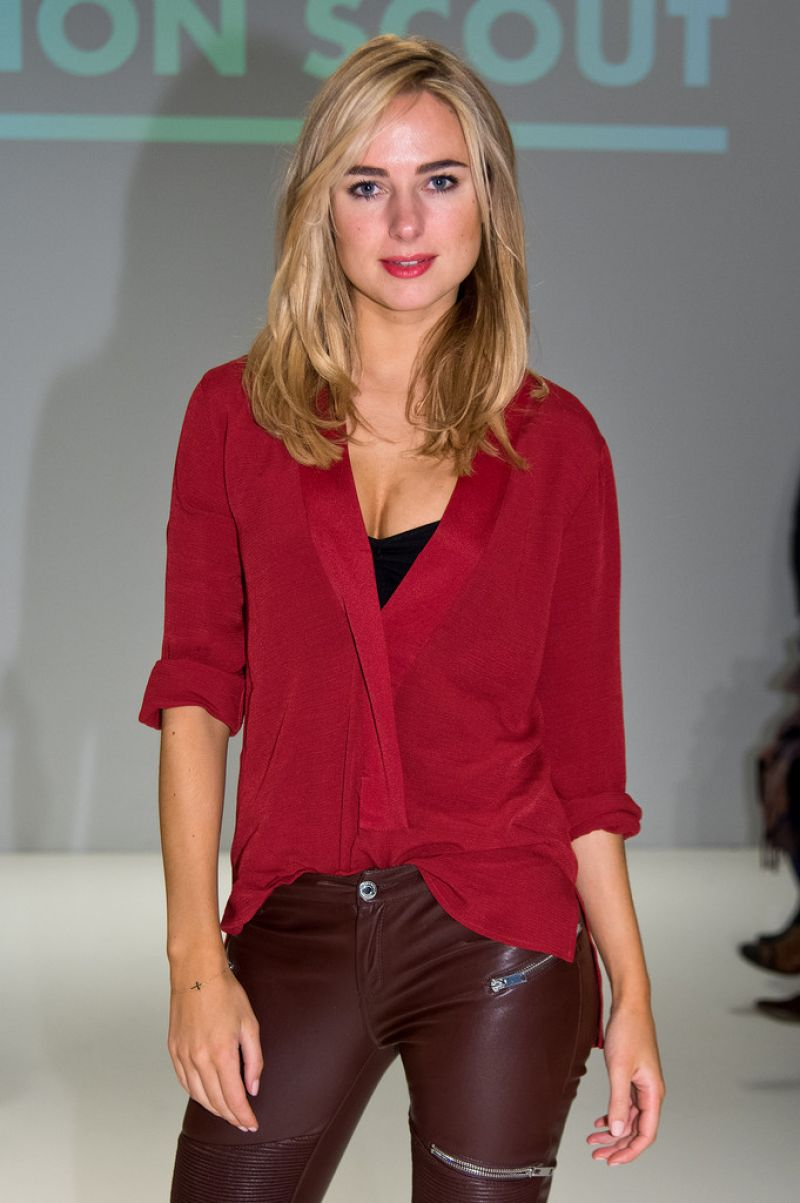 Kimberley Garner - Apu Jan Fashion Show in London, February 2015
