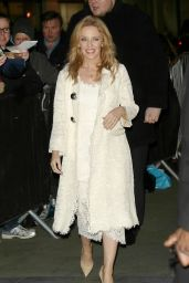 Kylie Minogue -Arrives at the BBC Studios For The One Show in London, Jan. 2015