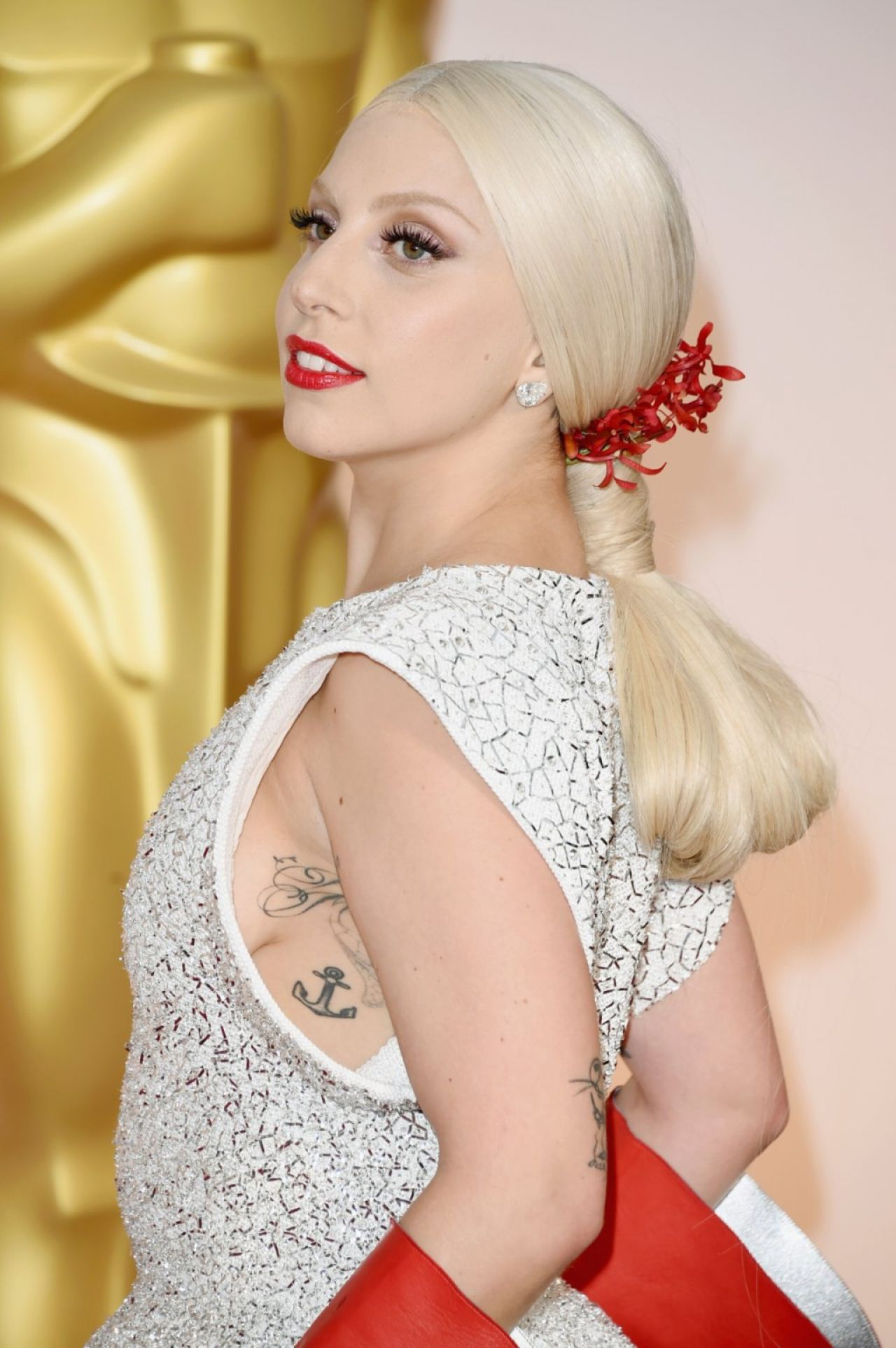 Lady Gaga 2015 Oscars Red Carpet In Hollywood