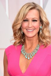 Lara Spencer – 2015 Oscars Red Carpet in Hollywood