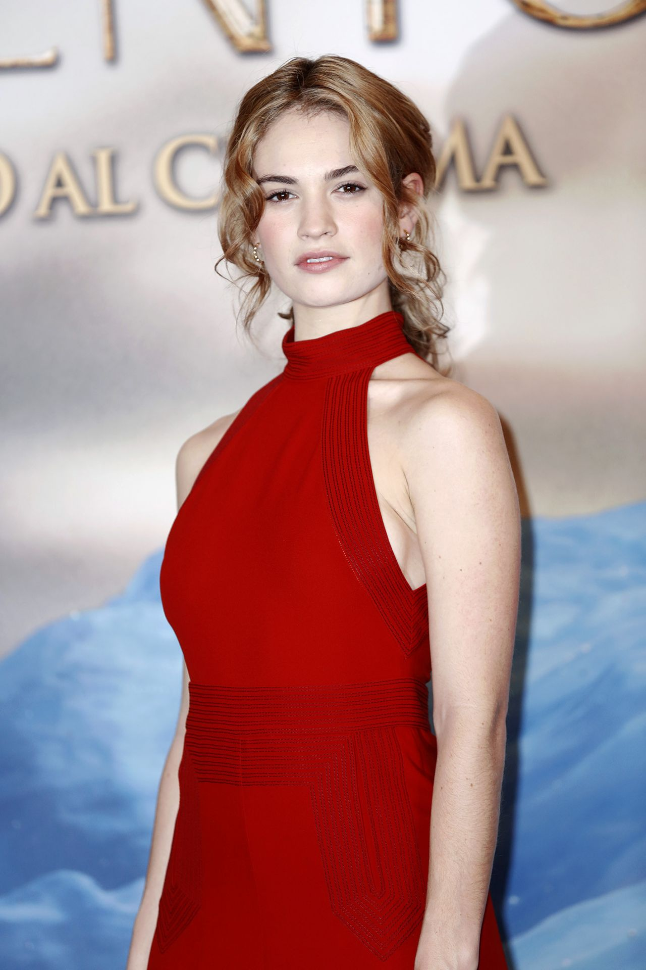 Is a cute Lily James  nude (59 pictures), Snapchat, braless