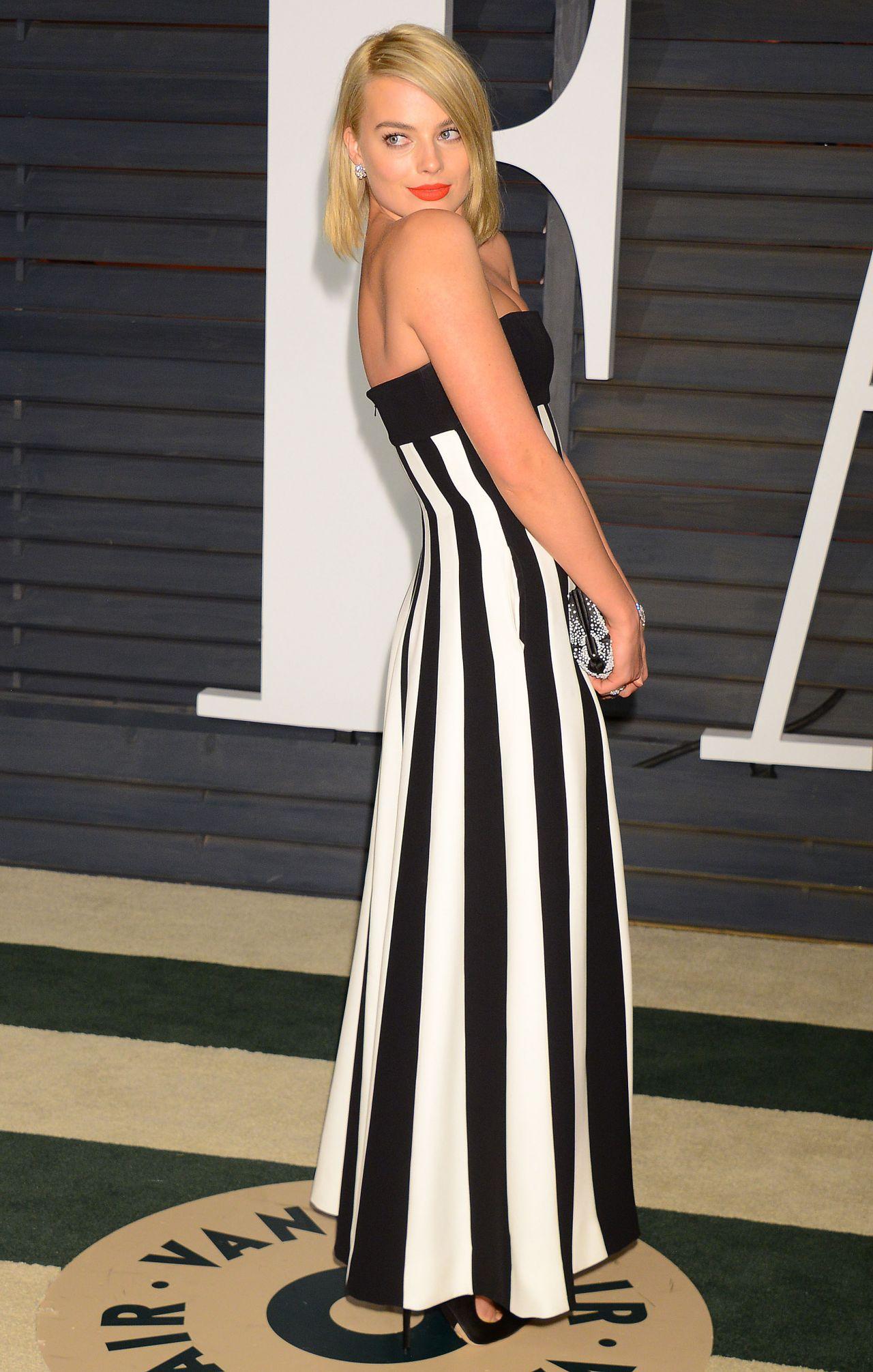 Margot Robbie 2015 Vanity Fair Oscar Party In Hollywood
