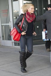 Margot Robbie Casual Style - at JFK Airport, Feb. 2015
