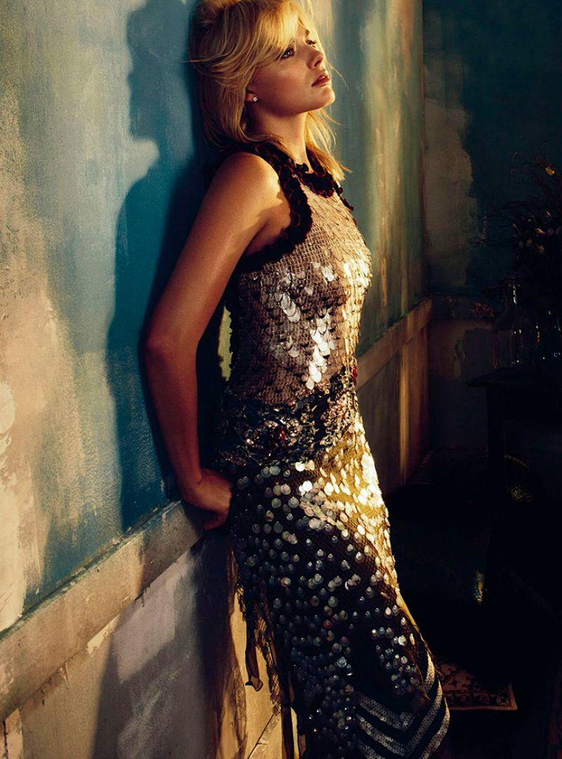 Margot Robbie Photoshoot For Vogue Magazine Australia