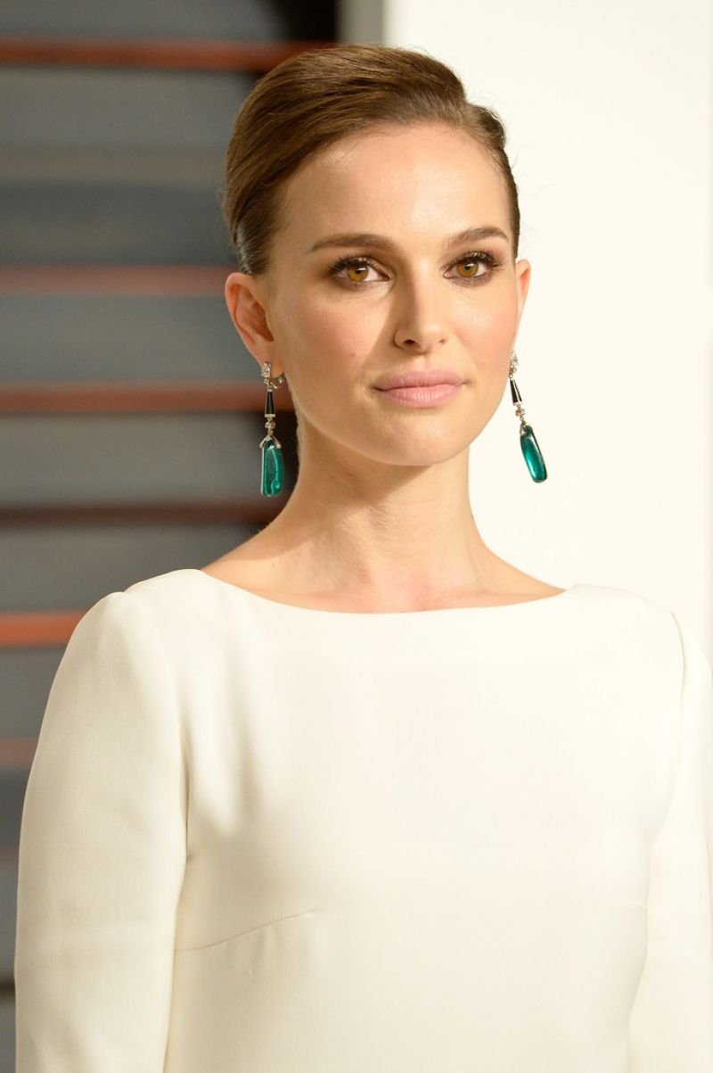 Natalie Portman - 2015 Vanity Fair Oscar Party in Beverly Hills hosted ...