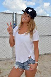 Nina Agdal Leggy in Denim Shorts - in Miami Beach Florida, Febraury 2015