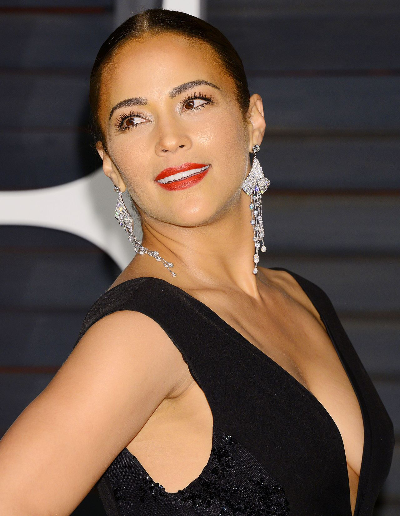 Paula Patton 2015 Vanity Fair Oscar Party In Hollywood 278391 also Ritost29trmu as well Facts kirchner in addition 099 85 Million Luxury Residence 1181 North Hillcrest Beverly Hills Ca as well Robert Duvall 83 Cradles Baby Arms Lunch Younger Wife Luciana Pedraza 42. on beverly hills view