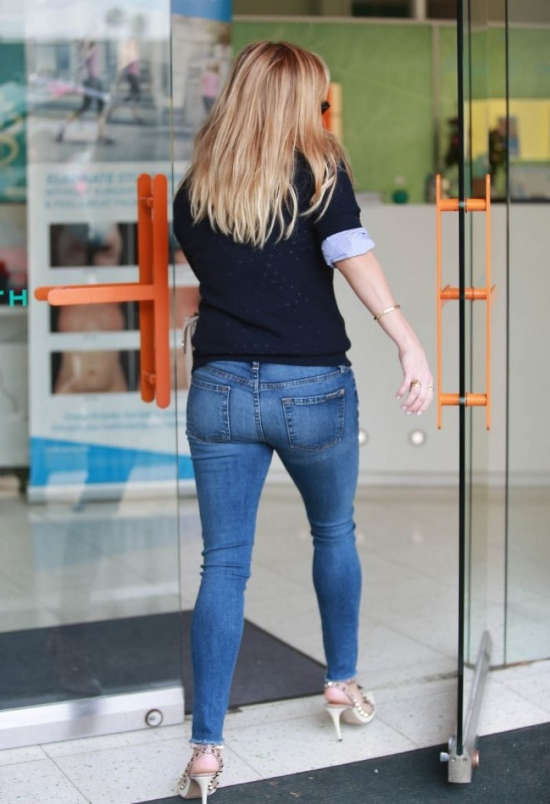 reese witherspoon ass pics