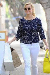 Reese Witherspoon - Shopping in Santa Monica, February 2015