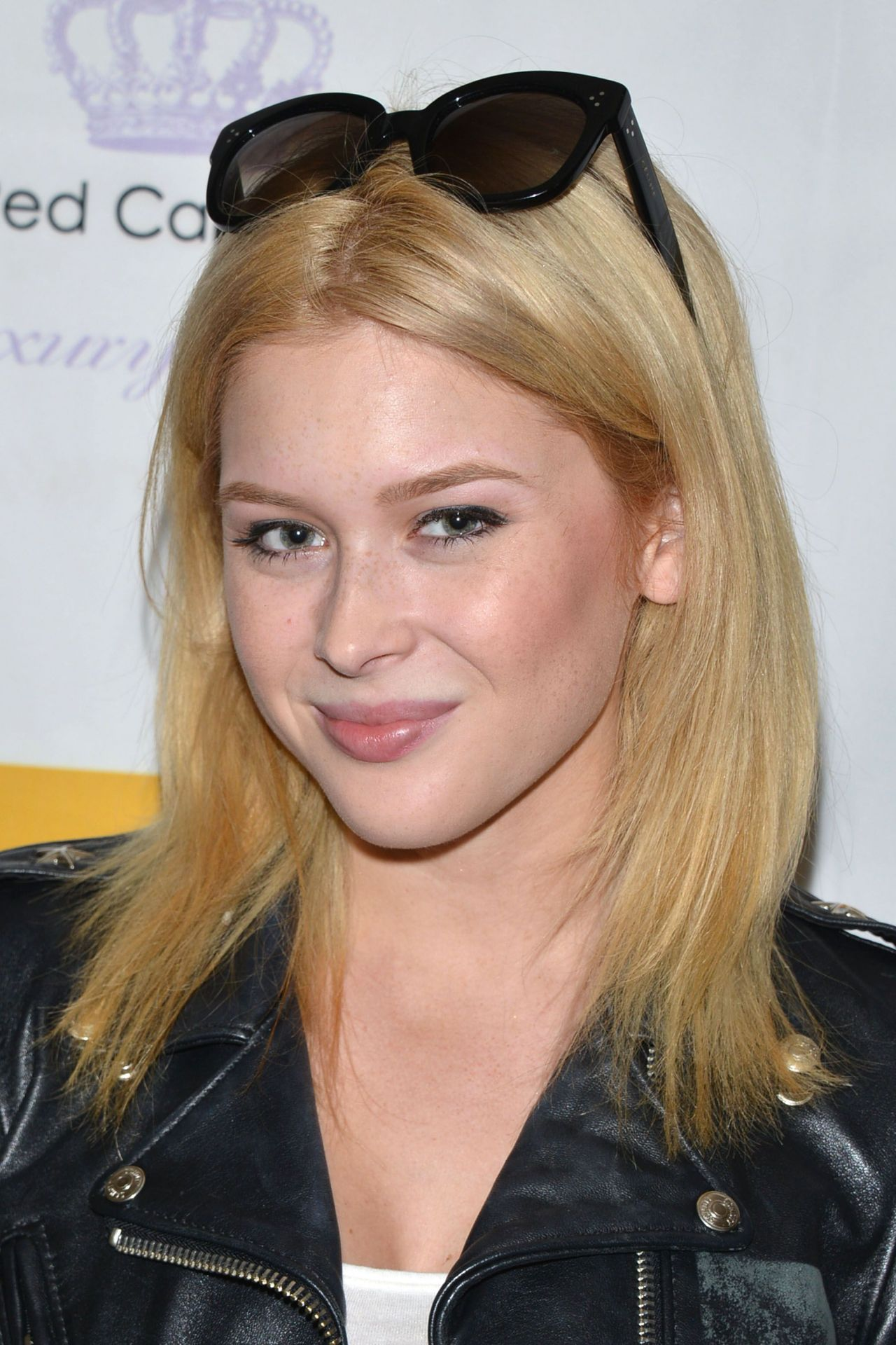 Renee Olstead - TMG International 2015 Red Carpet Ready Luxury Suite in Beverly Hills