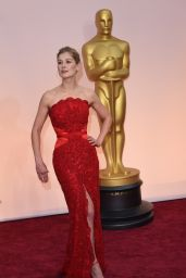 Rosamund Pike – 2015 Oscars Red Carpet in Hollywood