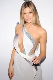Samantha Hoopes – 2015 Sports Illustrated Swimsuit Issue Celebration in New York City