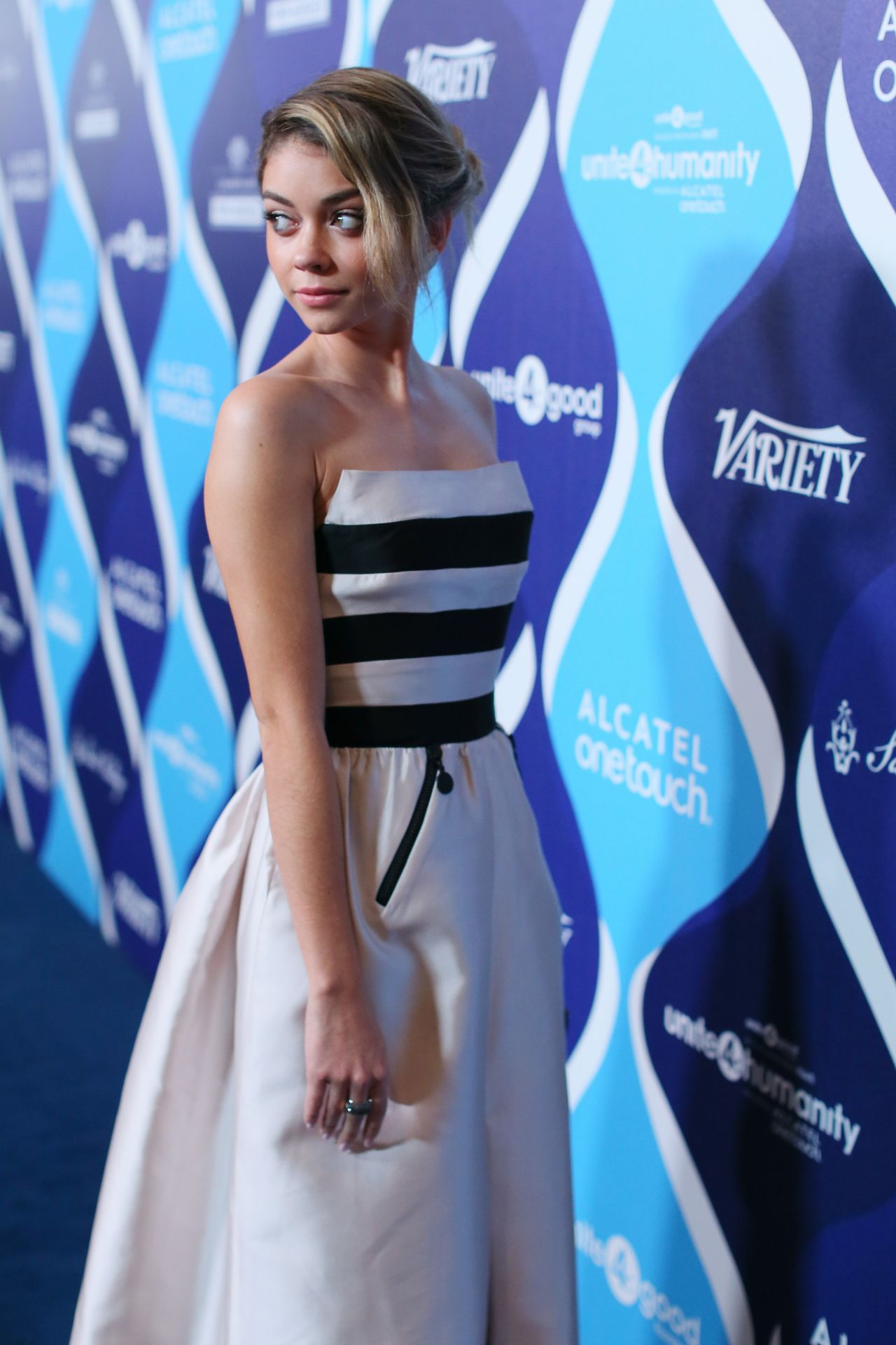 Sarah Hyland - 2015 unite4:humanity in Los Angeles