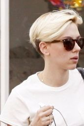 Scarlett Johansson With Very Short Blonde Hair - Shopping in Santa Monica, Feb. 2015