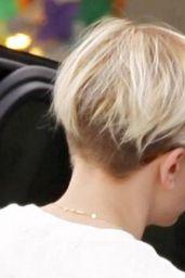 Scarlett Johansson With Very Short Blonde Hair - Shopping in Santa Monica, Feb. 2015