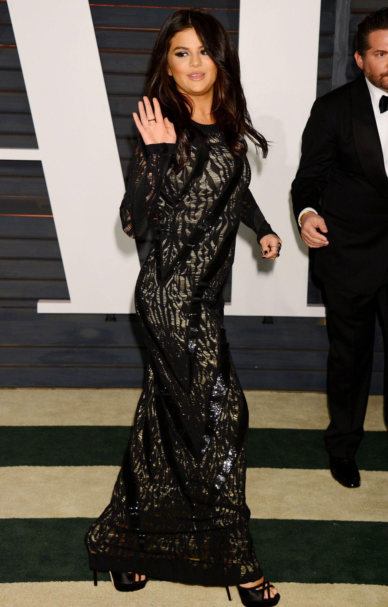 Selena Gomez 2015 Vanity Fair Oscar Party In Hollywood Celebmafia