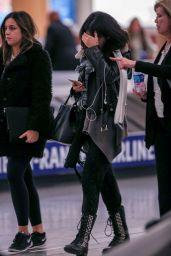 Selena Gomez at Hartsfield–Jackson Atlanta International Airport, February 2015